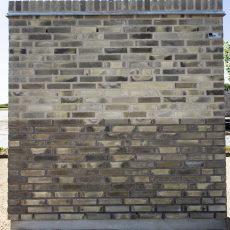 Konstruktion bygget af Petersen Tegl's: D51, fuge: lysegrÅ/antracit