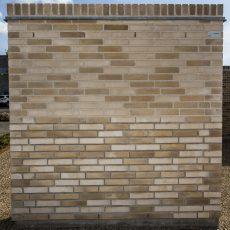 Konstruktion bygget af Strøjer tegl's: B810.Terra Mista, fuge: Hvid/LysegrÅ